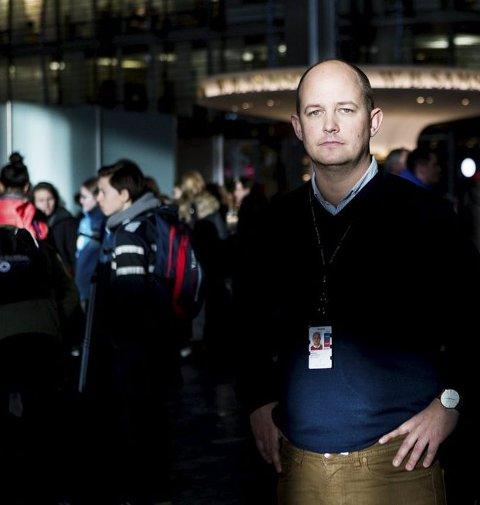 Ønsker bedre bemanning: Joachim Westher Andersen, kommunikasjonssjef ved Oslo Lufthavn.