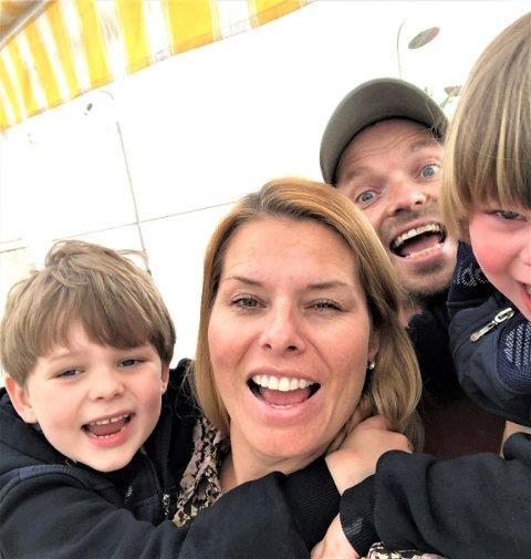 Klare for reise: Tobias, Ida-Marie, Knut Olav og Sebastian reiseklare fra Spania.