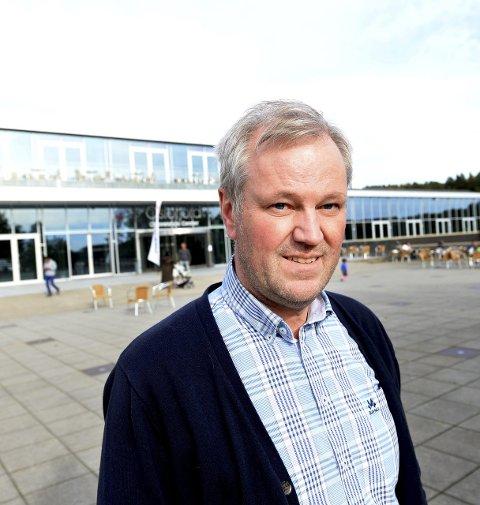 BER UDI INFORMERE: HMS-ansvarlig Nils Vedvik ved OCC ber UDI informere asylsøkerne om hvilke kjøreregler som gjelder i det norske samfunnet.