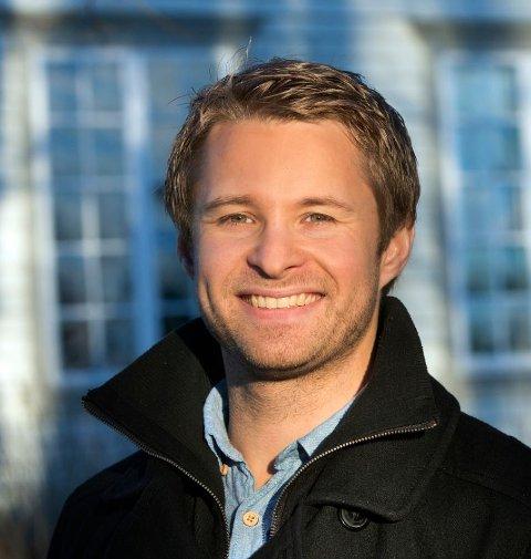 TA DET MED RO: Simon Andre Olsen er rådgiver i Gjensidige.