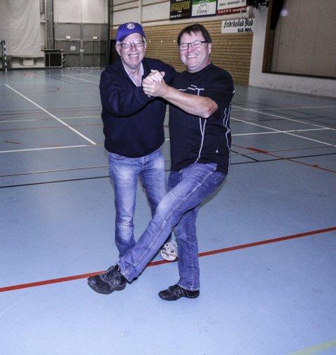 KLARE: Øystein Bergersen og Bjørn E. Lilleng i Lions Club Hvaler er klare for nok en dansegalla. Arkivfoto: John Johansen