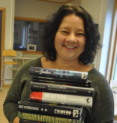 STERK: – Jeg er nok verdens sterkeste bibliotekar, sier biblioteksjefen ved biblioteket på Harestua, Eva Engskar.