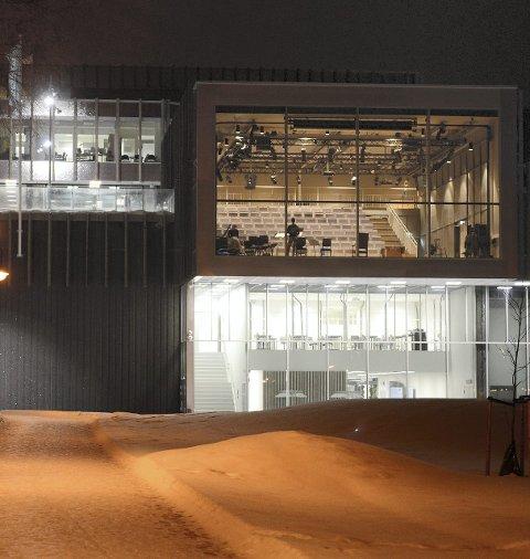 Sølvsalen: Salen på Krona tas i bruk lørdag. Øvelsene er i gang. Begge Foto: Vidar Skaar Borgersen
