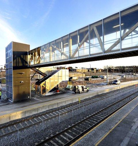 RÅDE STASJON:  I 2013 ble Råde stasjon modernisert. Jernbaneverket vil nå bygge ny i retning Rygge. foto: fb
