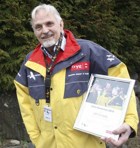 HEDRET: Jan Crosby fra Østensjø er «Årets Natteravn» og takket for mange års engasjement og innsats. Foto: A.V. Jenssen