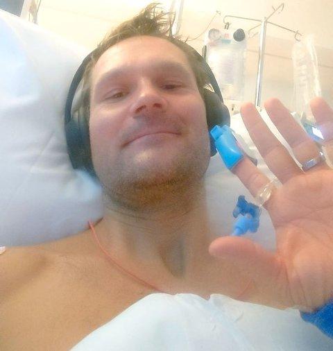 PÅ SYKEHUS: Øystein Pettersen havnet på sykehus etter en hjernehinneblødning. Nå er han hjemme igjen hos kone og barn på Lillehammer.