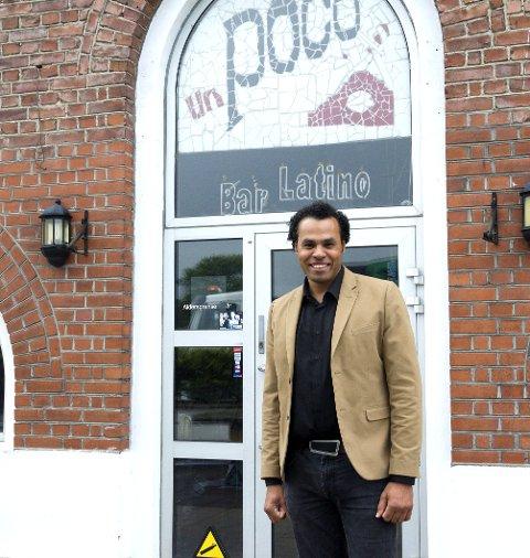 Ahmed Hussein tar over begge de ledige lokalene på bybrua. Han skal blant annet starte opp restaurant og utested i de gamle un Poco-lokalene.