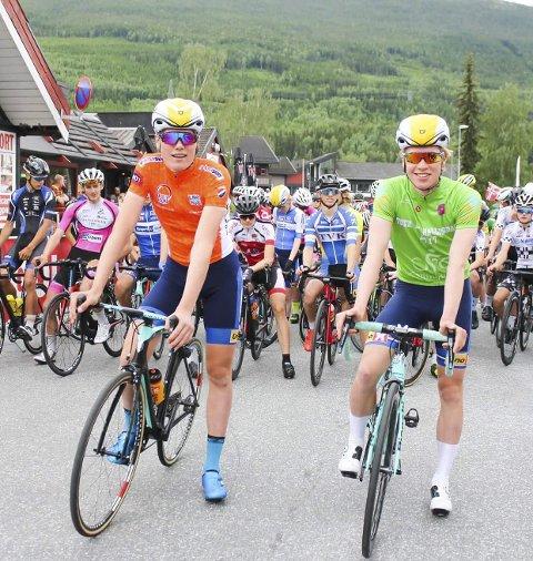Presterte: Søren Wærenskjold i laksetrøyen som leder av norgescupen, og Andreas Leknessund med den grønne ledertrøyen.