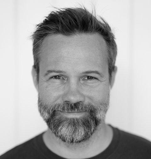 SVARER: Kunstner og forfatter Eivind Holm Stoud Platou svarer på våre spørsmål denne uken.