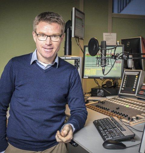 Distriktsredaktør: Hallstein Vemøy i NRK Møre og Roms-dal tror på midlertidig fall i radiolyttingen. Foto: Remi Sagen/NRK