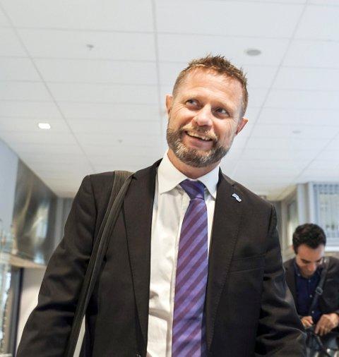 Helseminister: KBK-fansen håper Bent Høie og regjeringen snart åpner for fullt hus på tribunen.