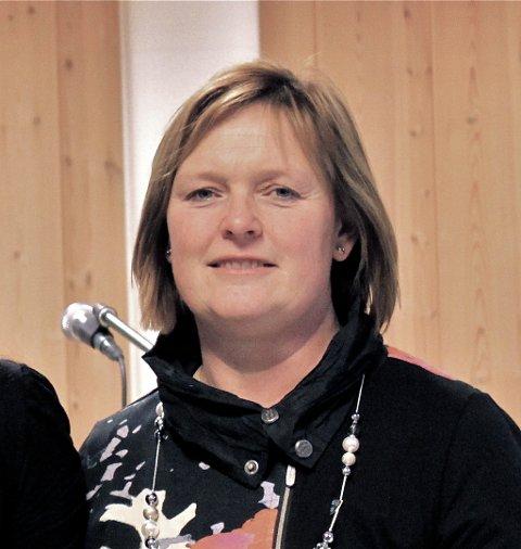 Inger Torun Klosbøle er leder for regionrådet i Valdres. Hun er ikke imponert over sine fire ordførerkolleger som er enige om å være motstandere av en løsning.