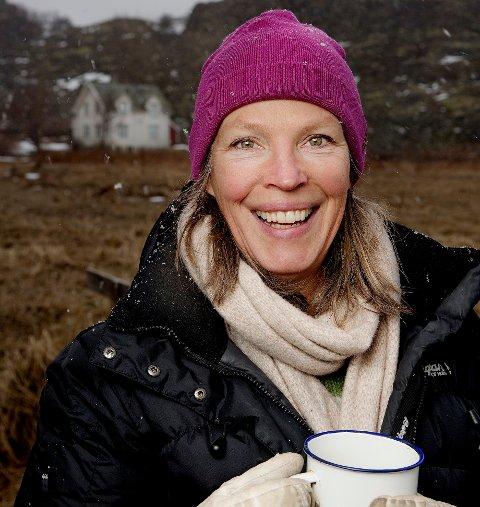 Anniken Enger oppfordrer folk til å melde seg som kaffevert via kaffepause.org. Målet er å skape en arena for gode menneskemøter.