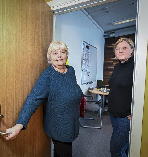 4: Inspektørene Jane Morberg og Hilde Thoresen i elevtjenesten har bestandig åpen dør for elevene.