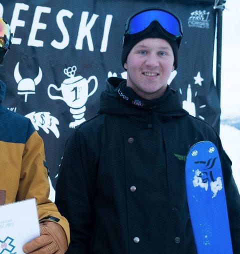 DELT LEDELSE: Christian Nummedal og Elias Ambühl fra Sveits deler ledelsen i verdenscupen i big air foran den tredje og siste konkurransen i Canada i helga.