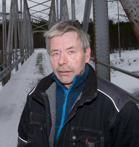 Arvid Bergmo filmet elgene som sloss.