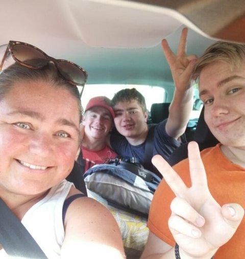 FAMILIE: Marcus Hegg Vestli (t.h) opprettet en Spleis i håp om å hjelpe mamma Gunn Jeanette Hegg.