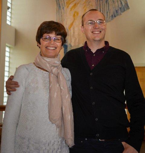 Jorunn Tetlie med tidligere prest i Stamsund, Gunnar Mar Kristjansson.