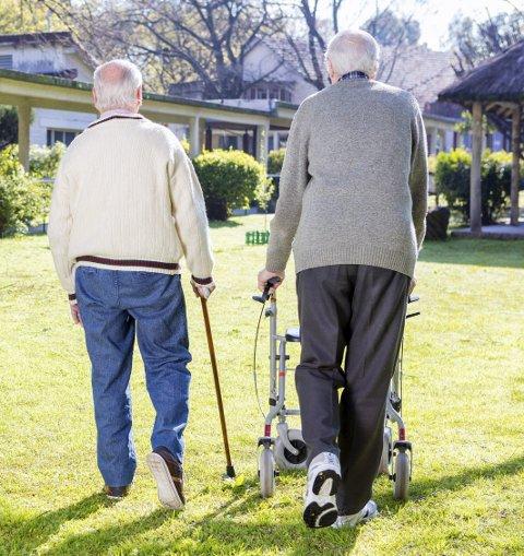 STADIG FLERE: Andelen eldre i samfunnet kommer til å øke kraftig i årene som kommer. Det byr på noen utfordringer.