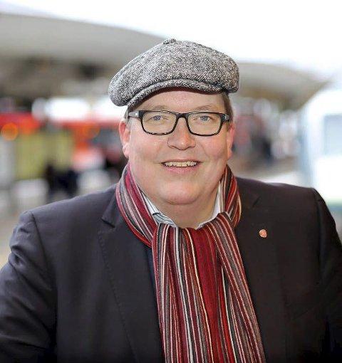 På pendlernes side: Sverre Myrli, Transportpolitisk talsperson (Ap). Foto.: ØB
