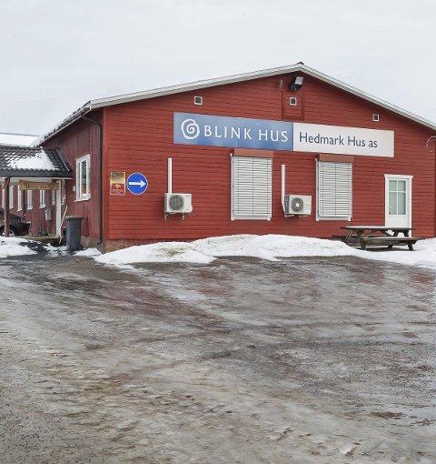 Over: Det blir ingen ny drift ved Hedmark Hus AS etter konkursen. Utstyr og varelager er solgt. Foto: Jens Haugen