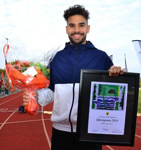 SATT PRIS PÅ: Jacob Boutera, Aurskog-Hølands nye løpskomet, har blitt tildelt Aurskog-Høland kommunes idrettspris for 2018. Begge foto: Øivind Eriksen