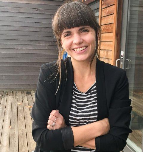STARTER OPP: Pecha Kucha Night er et samarbeid mellom Henriettes Mestermat på Midtåsen og reklamebyrået Folkebadet. Silje Elida Sundhordvik jobber for sistnevnte og ønsker alle velkommen til første arrangement på torsdag.