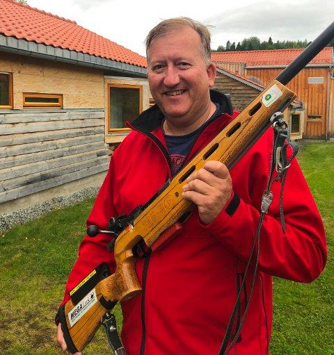 Jan Håkon Hensel er glad for å ha kvalifisert seg til feltfinalen med 30 treff innledende.