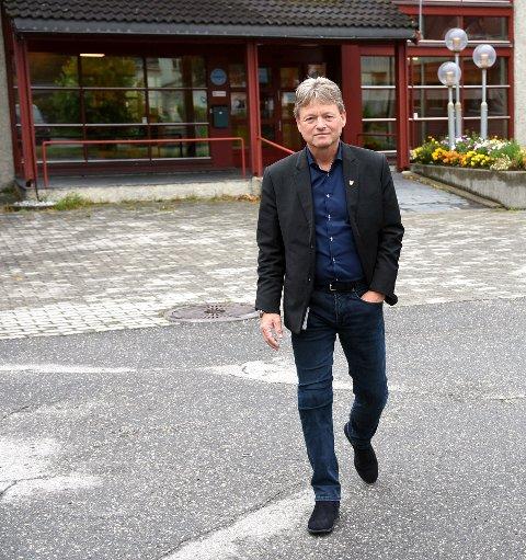 Ringebu-ordfører Arne Fossmo er den av ordførerne i GDs distrikts som tjente mest i 2018. Millioninntekten skyldes private investeringer, opplyser han.
