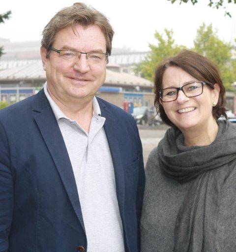 POSITIVT: Tidligere kreftpasient Trond Linnestad og stortingsrepresentant Tone Wilhelmsen Trøen (H) er veldig fornøyd med den nye kontaktlegeordningen. FOTO: KARIN HANSTENSEN