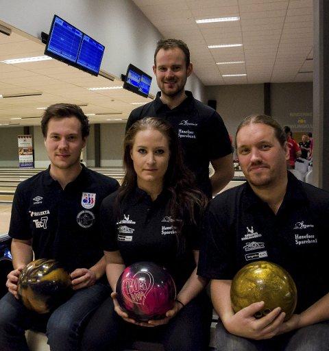Martin Moen Stikbakke, Marie Paulsson Berg, Mads Sandbækken og Fredrik Tobiasson gikk alle videre fra det innledende spillet i Ringerike Open i bowling.
