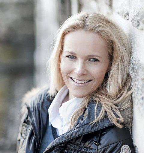 Berit Nordstrand reiser landet rundt med sine foredrag. Nå kommer hun til Hønefoss.