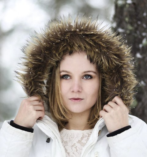 Ingeborg Amalie Hanssen er både sanger, produsent og regissør. Hun forteller hvordan bransjen hennes har blitt hardt rammet av korona FOTO: Samnøy Foto