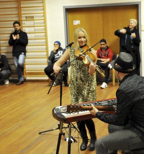 TIL EUROPA: Martine Kraft har hatt et ønske om flere spillejobber i Europa. Lørdag inntar hun scenen på Castlefest i Nederland i beste «sendetid».