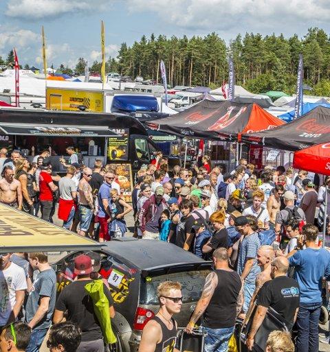 Yrende liv: Masse folk strømmet til årets Gatebil-festival på Rudskogen.