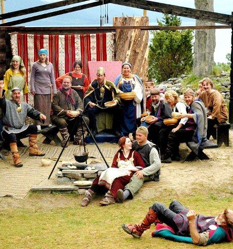 Tre forestillinger: Til sommeren vil det igjen med kamp, skjemt og alvor på Freidarberg. Her et bilde fra forestillingen i 2005.