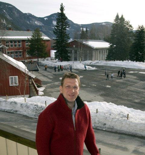 På vent:Nils-Martin Sætrang har fra mandag av ingen montøreri arbeid i Sør-Aurdal Energi. Dermed må alle arbeider ute settes på vent.