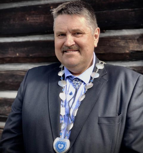 Ikke spesialist: Sjøl om ordfører i Vestre Slidre, Haldor Ødegård (Sp), ikke kaller seg koronaspesialist, har han et ønske om flere vaksinedoser.