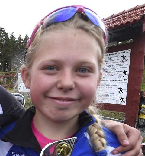 TREDJEPLASS: Mathea Tegdal tok bronse i 12-årsklassen.