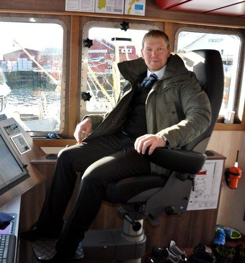 """NEI: Martin Solhaug eier og driver fiskebåten """"Vibeke Cathrin"""". Han ønsket å bygge en gammel butikk om til hybler og leilgheter med fikk nei fra kommunen."""