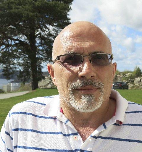 Populær Askim-lege: Muhamet Rexhaj har vært aktiv Venstre-politiker. Han har fått permisjon et år på grunn av helsa.