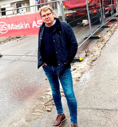 KLAR FOR SVAR: Halvor Berg-Hanssen venter på et utfyllende svar som går på fastlege-krisa i Skien.