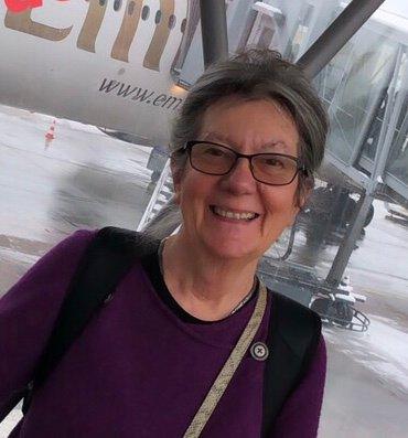 DATTER OG FAR: Janet Bjørk skrev en hyllest til sin far for ti år siden. 80 år etter krigsutbruddet, deler hun talen med Fremovers lesere. - Det er en hyllest til alle marinefolkene, sier hun.