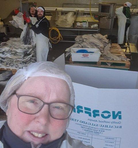 DUGNAD: Ann-Kristin Kvalsvik hjelper sykehuset så godt hun kan.