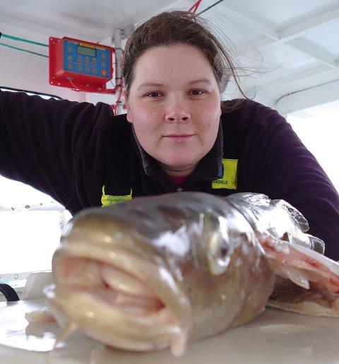 FISKEGLAD: Helene Kristoffersen fra Ulvøya har vokst opp med fiske. Hun er fortsatt engasjert i sjømat og næringa.