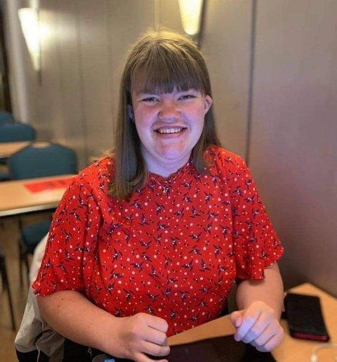KRAV: – Dersom Unge Høyre mener at en faglært lærer i norsk er avhengig av 4 i matte, da mener jeg de har bomma, skriver Vilde Gjesdal.