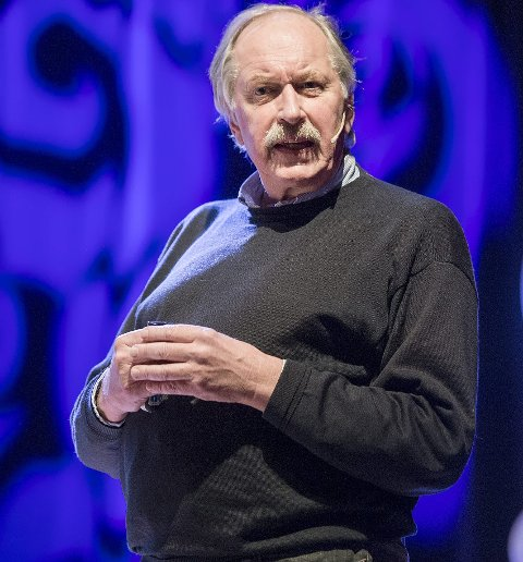 ENGASJERT: Johan Kaggestad er for lengst blitt pensjonist, men jobber ifølge ham selv mer enn 100 prosent. Han er blant annet kommentator i TV2 og en populær foredragsholder.foto: vidar langeland