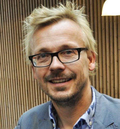 OPTIMIST: Torstein Nybø har håp om å få Adam Douglas til Hadeland i kveld.