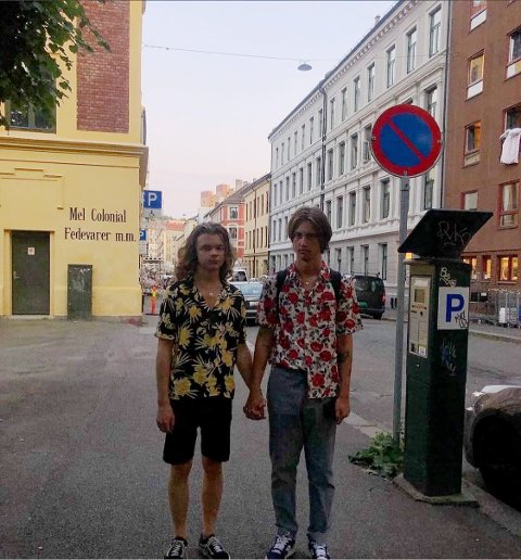 Oslo: The Rebels har gått fra tre til to medlemmer og består av gitarist og vokalist, Espen Austdal (t.v.), og bassist og korist, William Alexander Dalen.