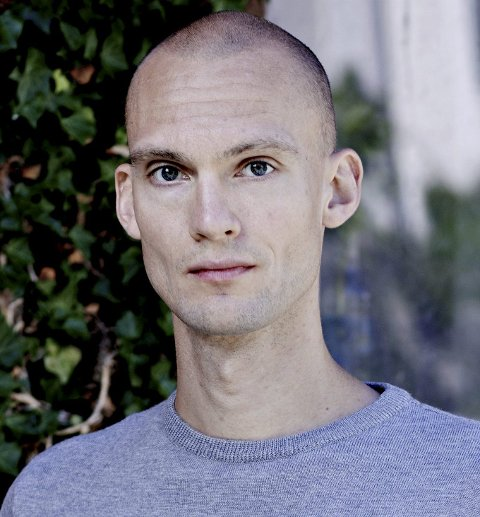 Forfatter: Lars Svisdal har fått en svært god mottakelse på sin debutroman «Seg til inkjes»Foto: Gyldendal